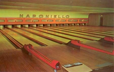 Naponiello's Alleys interior