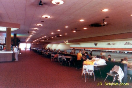 Holiday Bowl (interior-b)