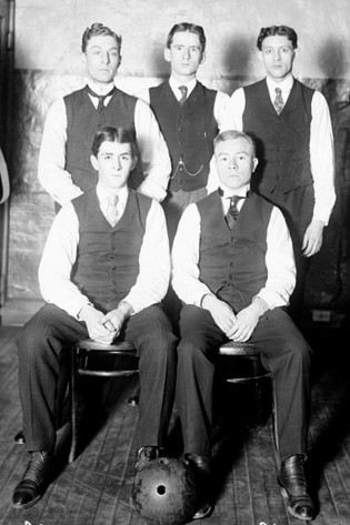 FRONT--Edward Kelley, E. Hess  REAR--Bob Alfred, W. Arnold, Al Toemmel